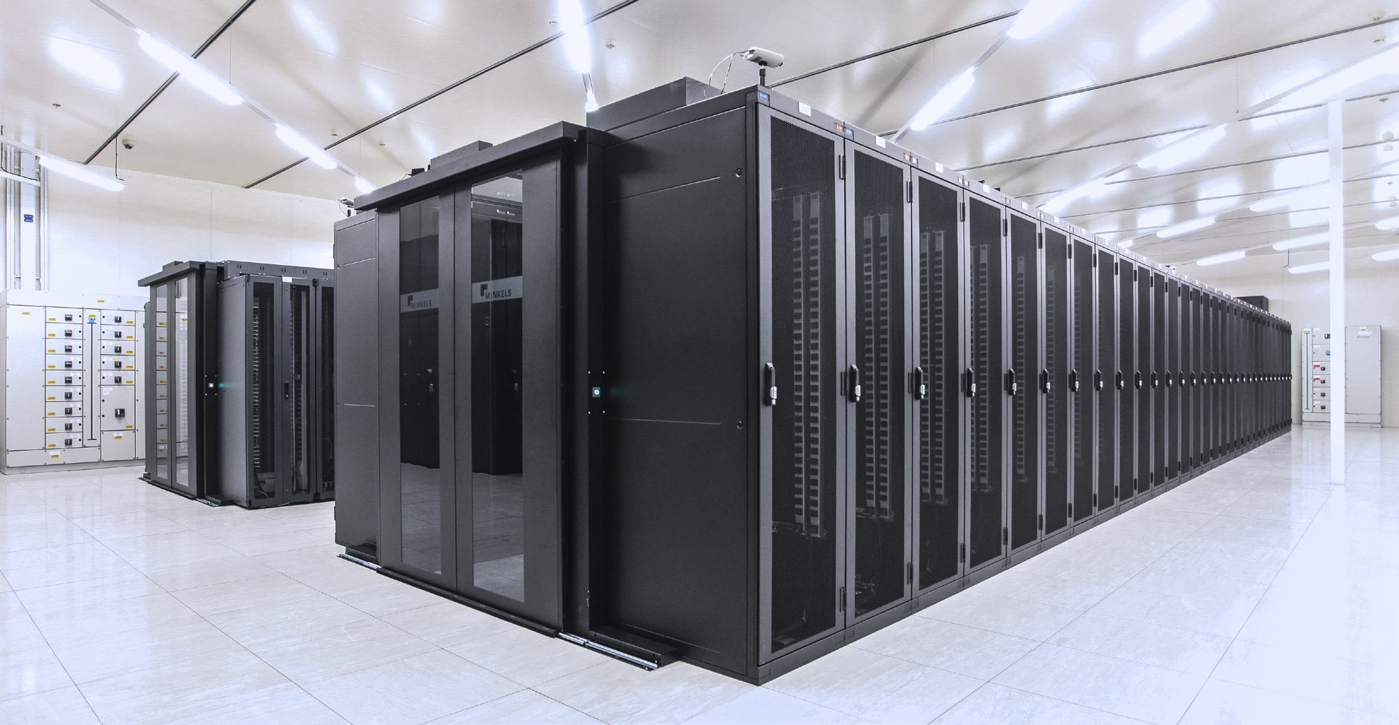data centers 27 data centers around the world, including 2 of the largest ones since its first  data center in paris back in 2003, ovh keeps on innovating when it comes to.